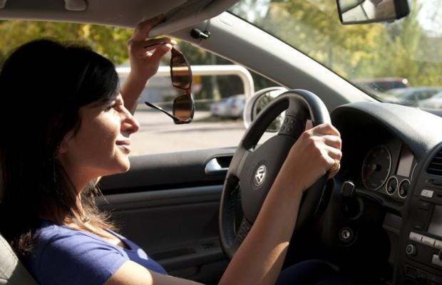 Tiefstehende Sonne verursacht Verkehrsunfälle