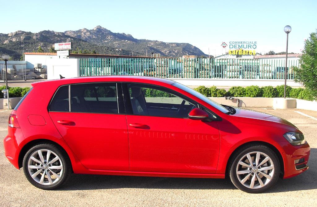 VW Golf: Und so sieht das Kompaktmodell, hier als Fünftürer, von der Seite aus.