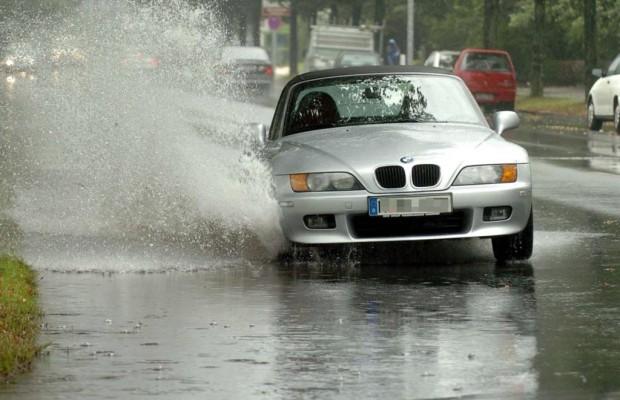 Vorsicht nach Starkregen - Tiefe Pfützen – teure Schäden