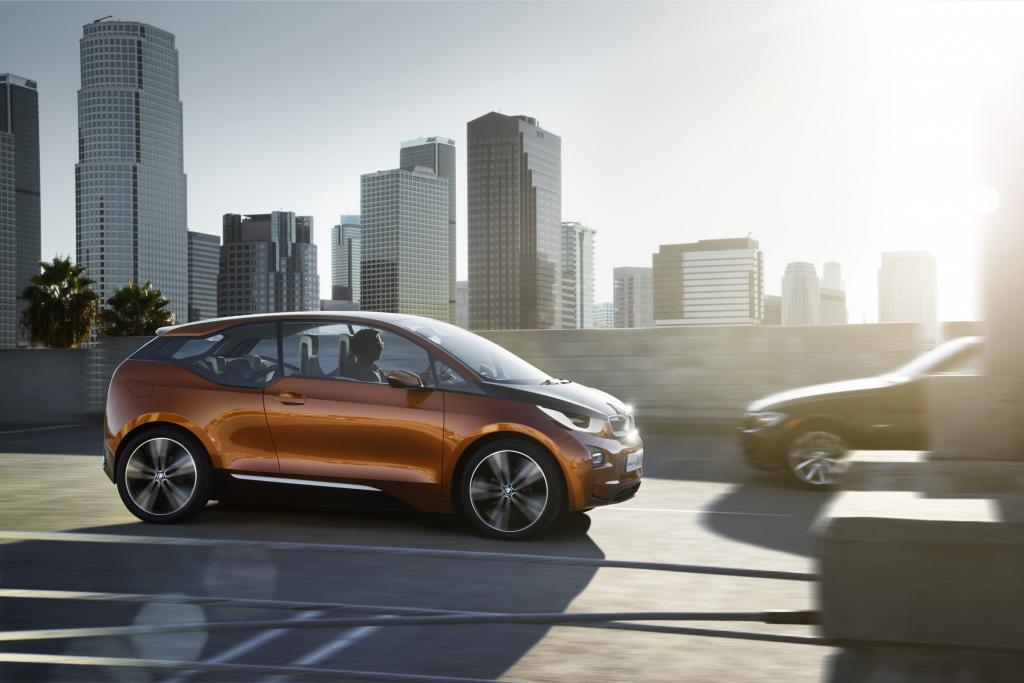 BMW zeigt in LA eine dreitürige Version des E-Autos i3