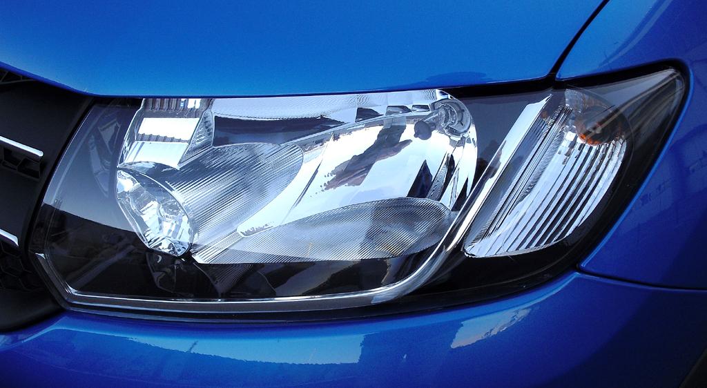 Dacia Sandero Stepway: Moderne Leuchteinheit vorn.