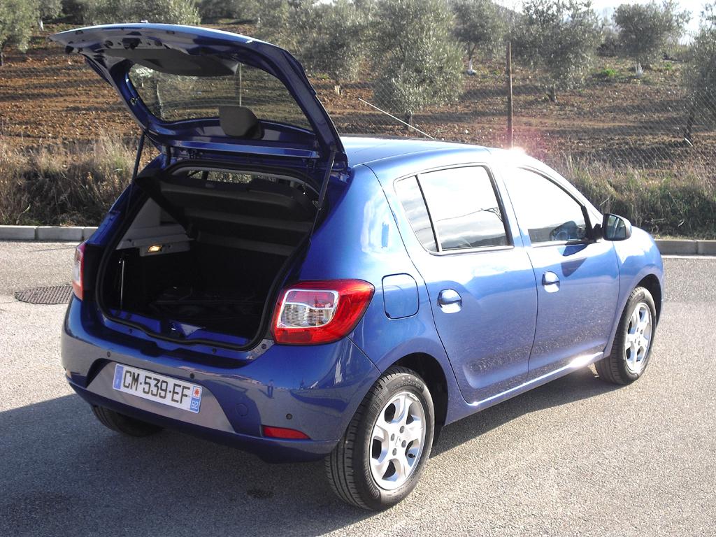Dacia Sandero: Wie beim Stepway passen 320 bis 1200 Liter ins Gepäckabteil.