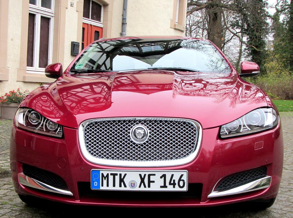 Jaguar XF Sportbrake: Blick auf die Frontpartie.