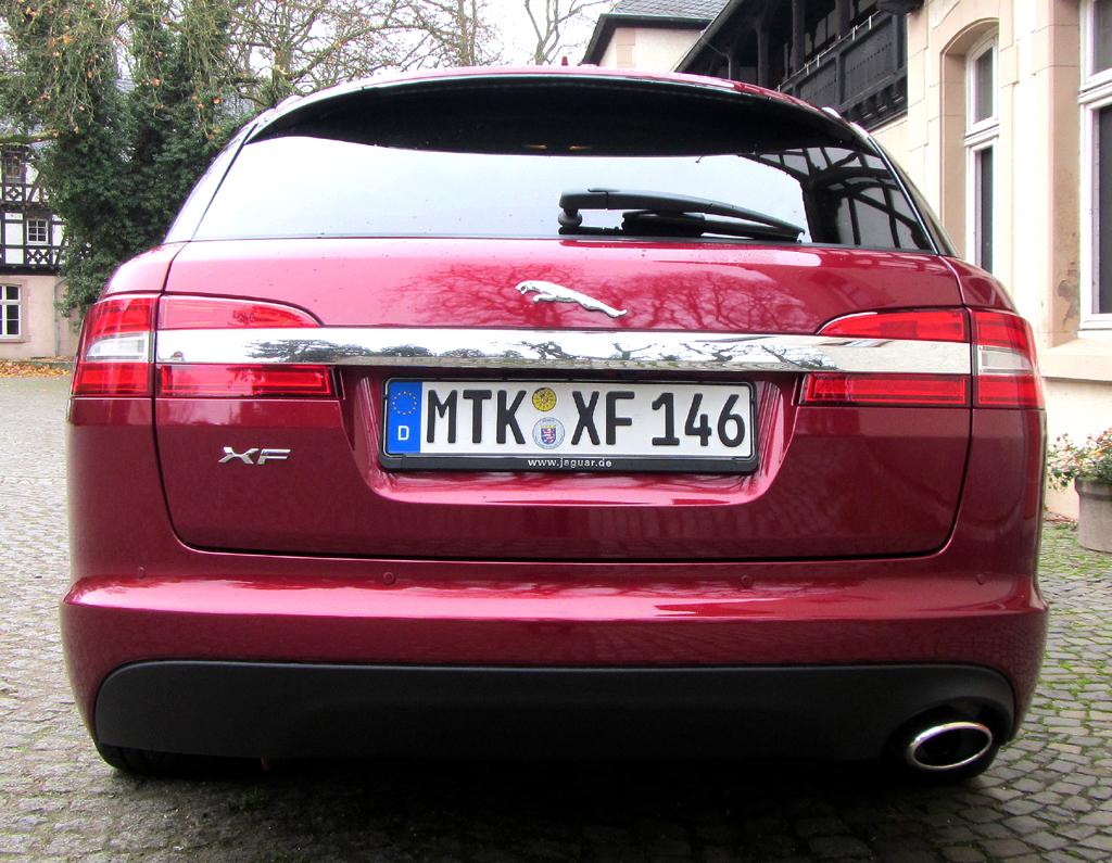 Jaguar XF Sportbrake: Blick auf die Heckpartie.