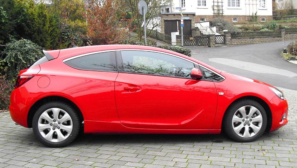 Opel Astra GTC Biturbodiesel: Und so sieht das schnittigere Dreitürer-Coupé von der Seite aus.