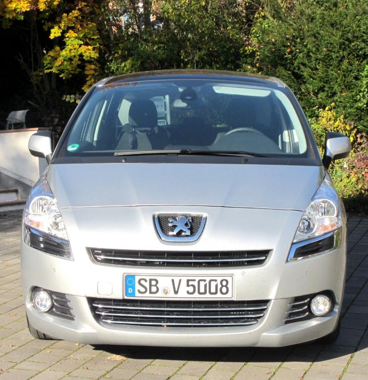 Peugeot 5008: Blick auf die Frontpartie.