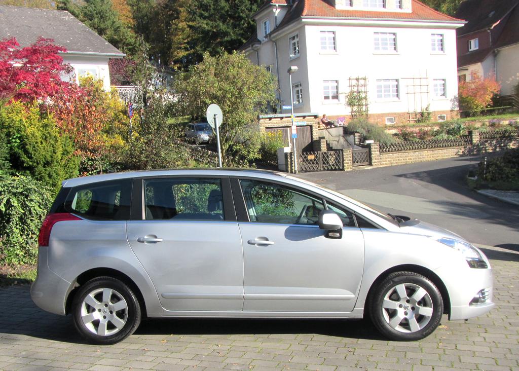 Peugeot 5008: Und so sieht die Großraum-Limousine von der Seite aus.
