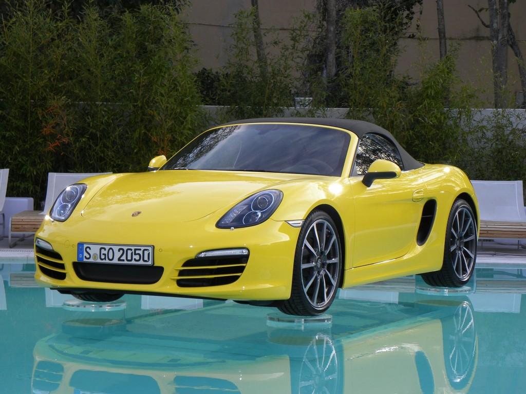 Porsche Boxster und Dacia Sandero sind