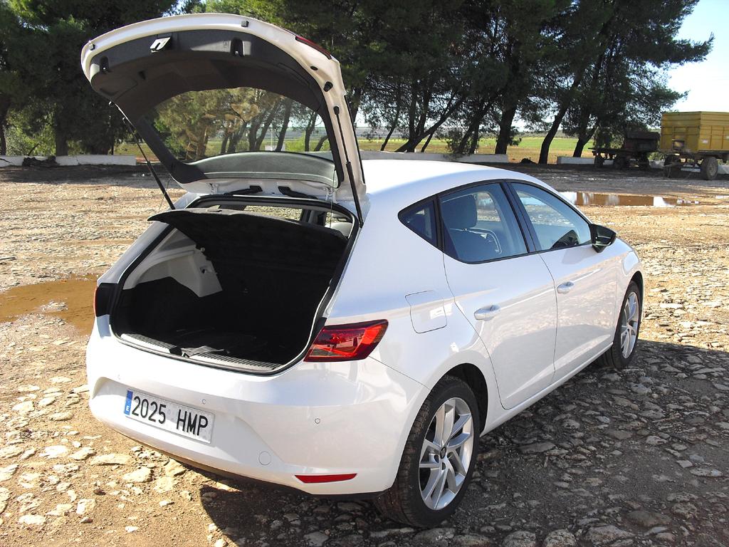 Seat León: Das noch erweiterbare Gepäckabteil fasst mit 380 jetzt 40 Liter mehr.