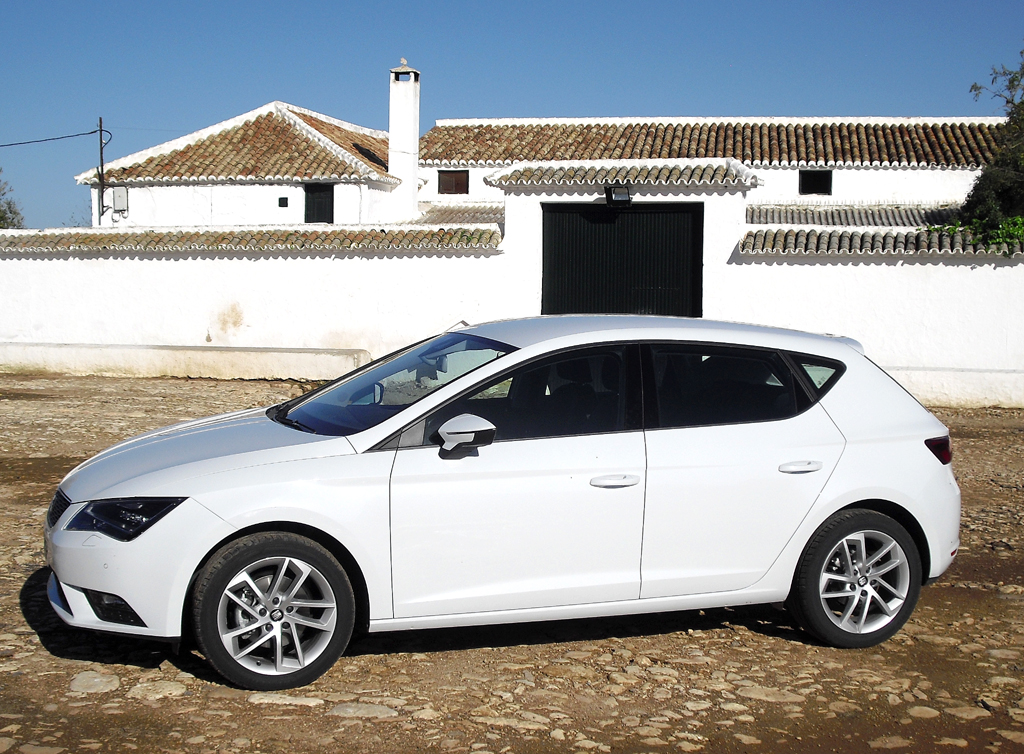 Seat León: Und so sieht das Kompaktmodell der Spanier von der Seite aus.