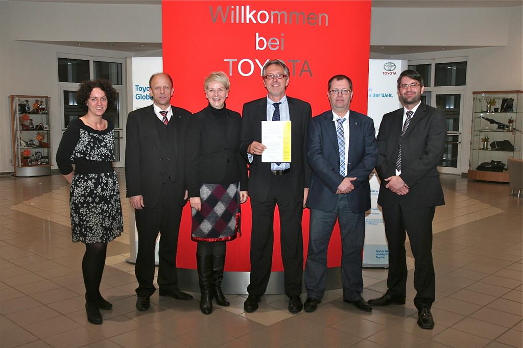 Toyota für Ausbildung zum Automobil-Serviceberater zertifiziert