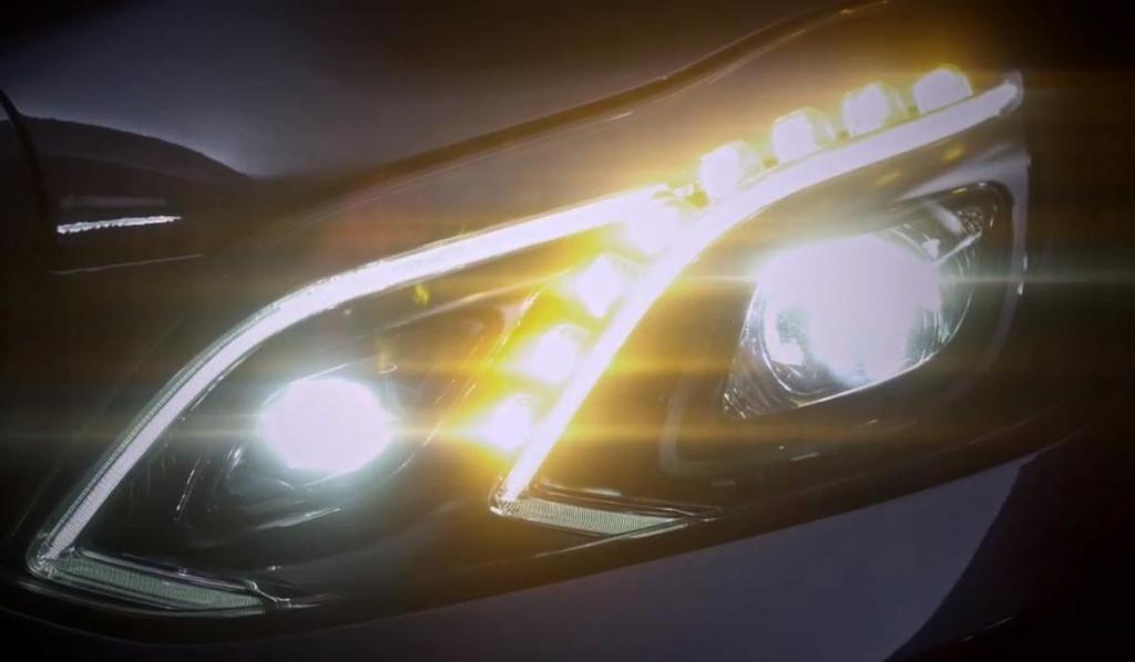 UNFERTIG Lichtdesign Mercedes