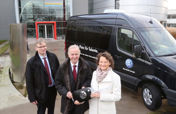 Volkswagen Nutzfahrzeuge unterstützt Leibniz-Universität mit einem Crafter
