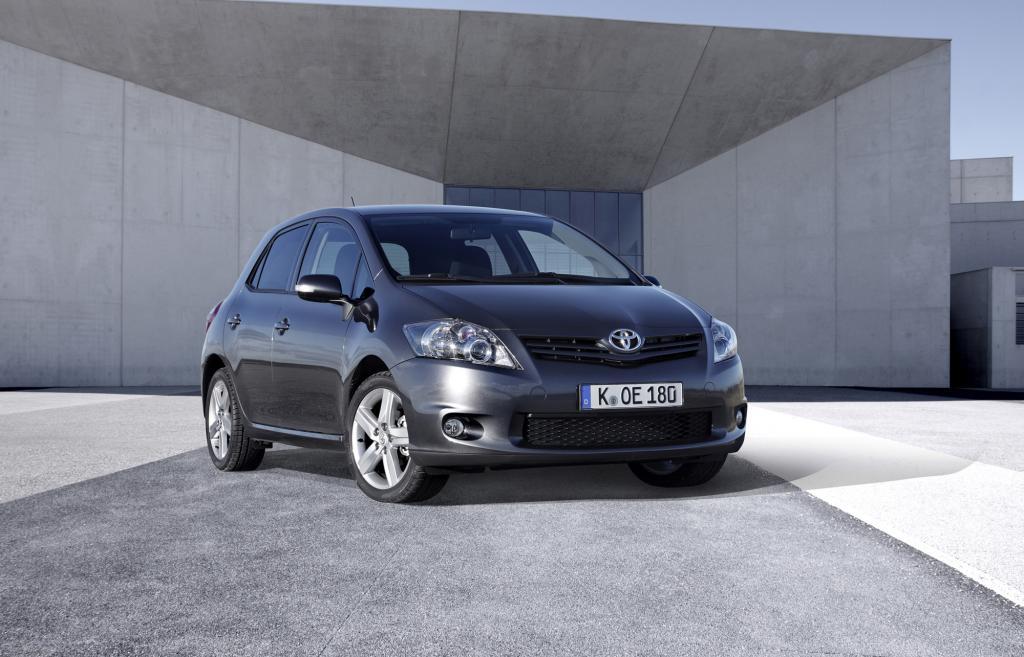 Weltweite Fahrzeugproduktion - Große Autokonzerne bauen Marktanteile aus