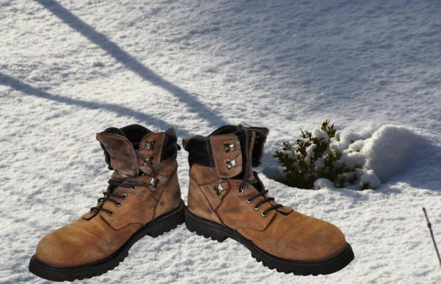 Winterschuhe: Griffige Sohle und knöchelhoch