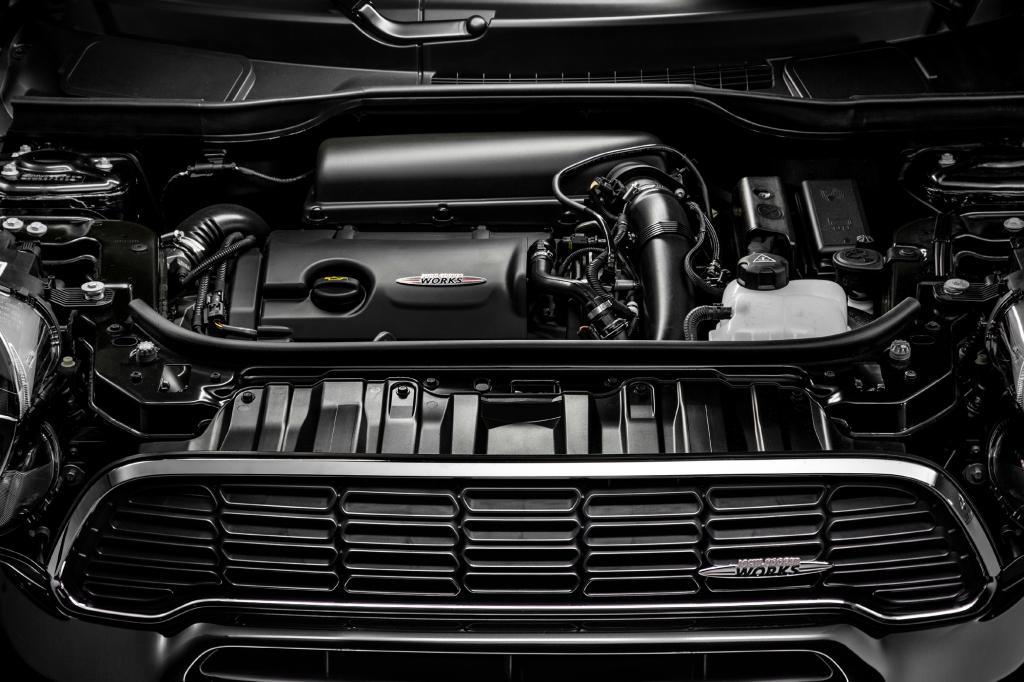 Als Antrieb dient ein 1,6-Liter-Turbobenziner mit 218 PS