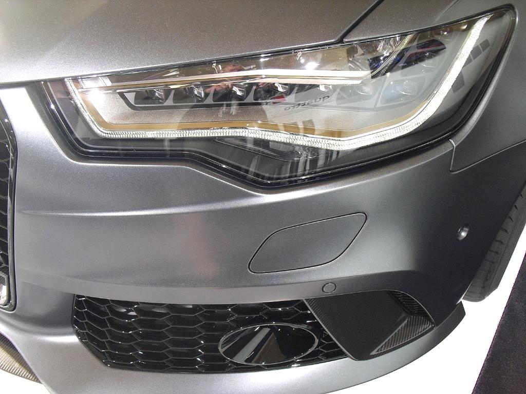 Audi RS6 Avant: Moderne Leuchteinheit vorn.