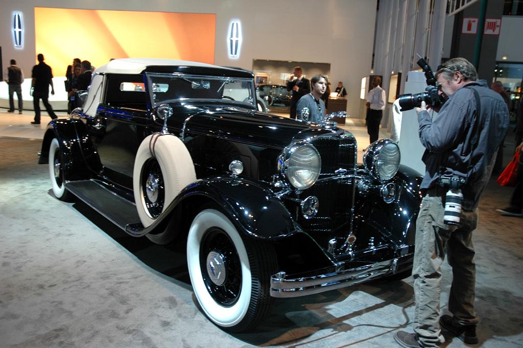 Das waren noch Autos: In Scottsdale kommen seltene Oldtimer-Cabrios ...