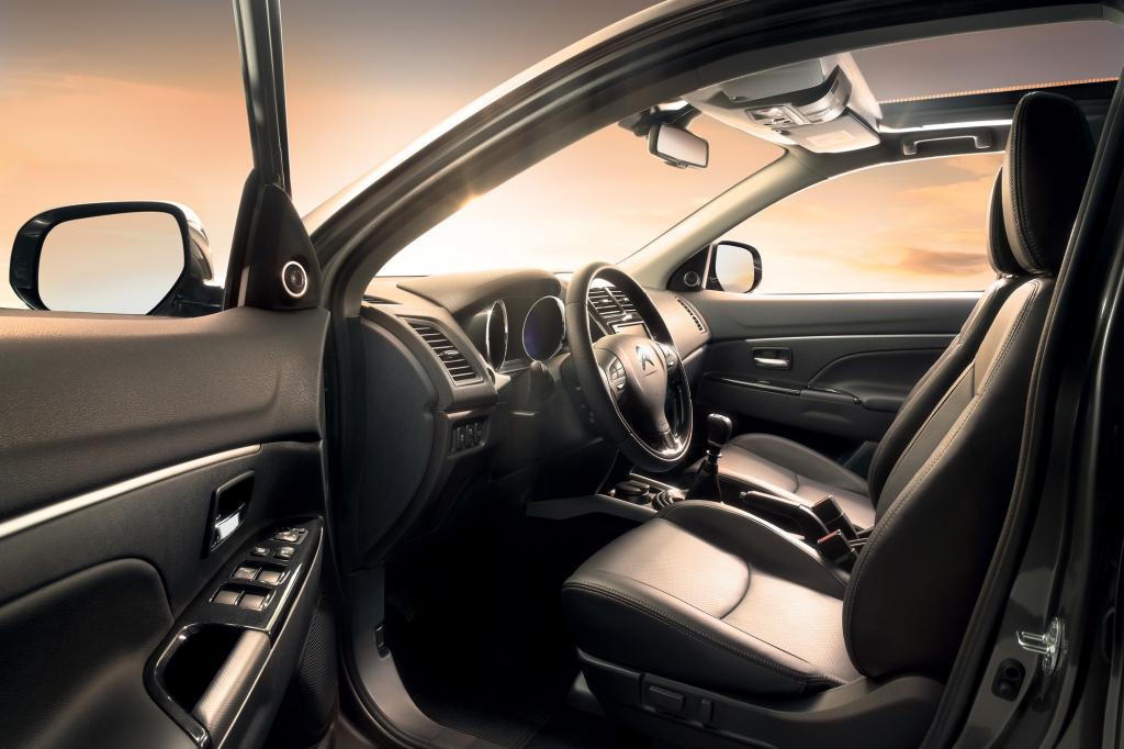 Den C4 Aircross gibt es in der Basisversion (Frontantrieb, 86 kW/117 PS-Benziner) ab 23.690 Euro. Dafür sind dann immerhin CD-Ra
