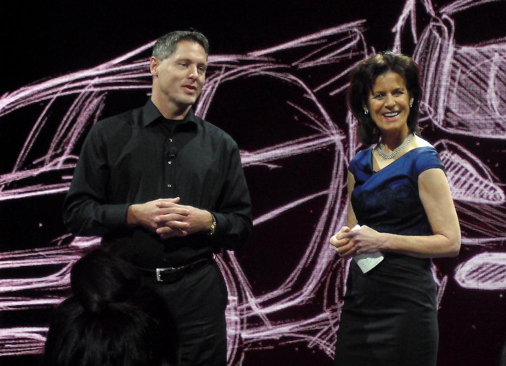 Designchef Gorden Wagener und Markenchefin Annette Winkler bei der Präsentation.