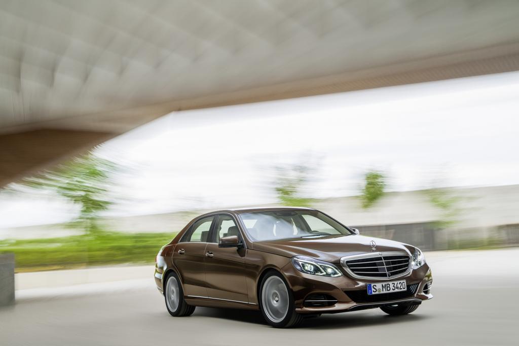 Die Mercedes E-Klasse hat ein gründliches Lifting erhalten