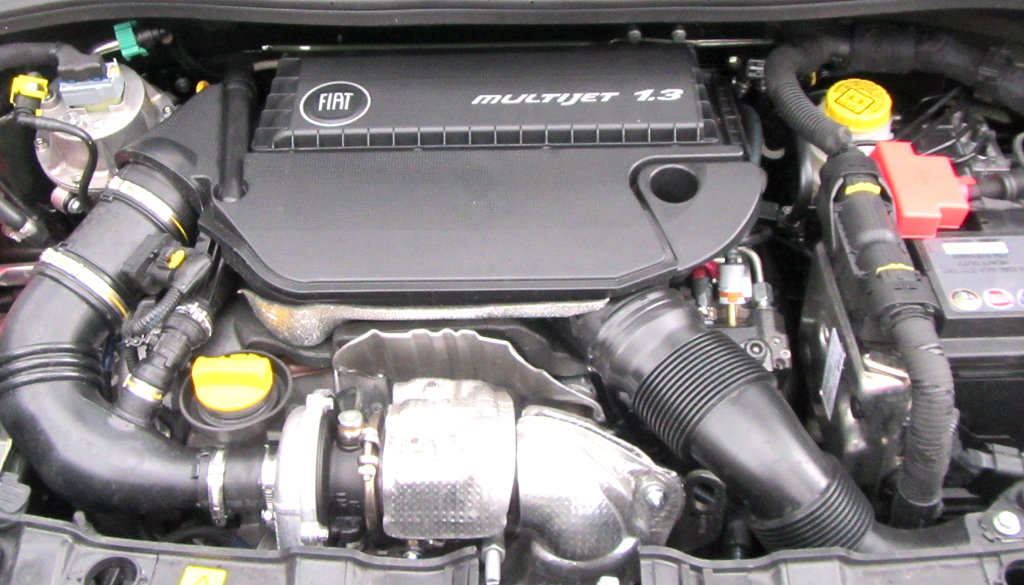 Fiat Panda 4x4: Blick unter die Haube, hier beim 1,3-Liter-Turbodiesel.