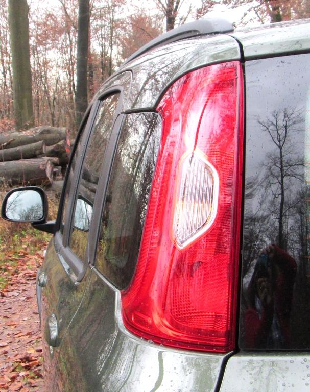 Fiat Panda 4x4: Die Leuchten am Heck sind vertikal ausgerichtet.