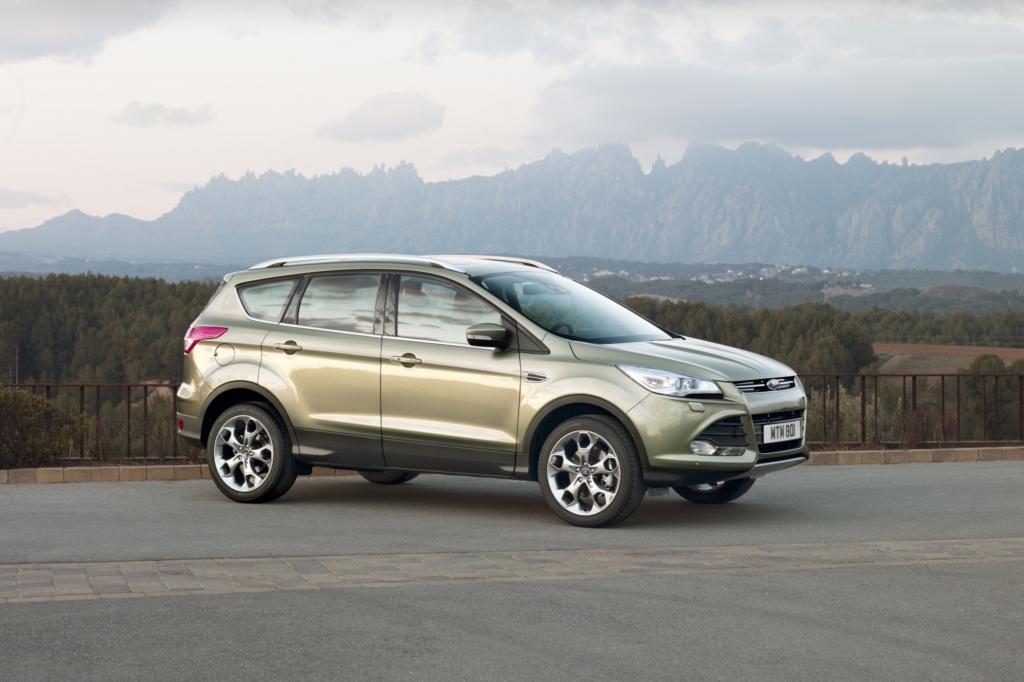 In Fahrt bringen den Kuga ein bekannter, lediglich optimierter Diesel sowie ein neuer EcoBoost-Benziner