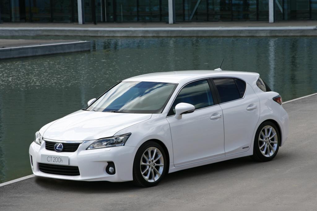In der Kompaktklasse lagen zudem der Auris Hybrid und der Lexus CT200h vorne