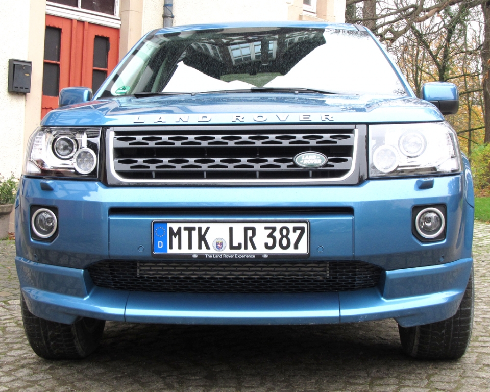 Land Rover Freelander: Blick auf die recht bullige wirkende Frontpartie.