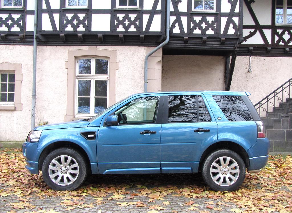 Land Rover Freelander: Und so sieht das kompakte SUV-Modell der Briten von der Seite aus.