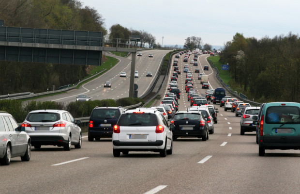 Stauprognose: Dichter Verkehr vor dem Jahreswechsel