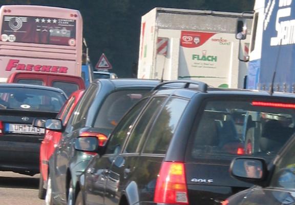 Stauprognose: Volle Straßen in der Vorweihnachtszeit