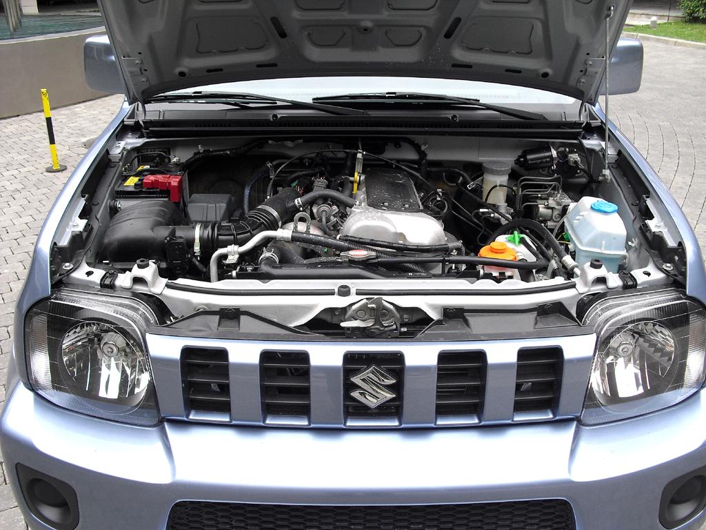 Suzuki Jimy: Blick unter die Haube auf den 1,3-Liter-Benziner mit 63/86 kW/PS.