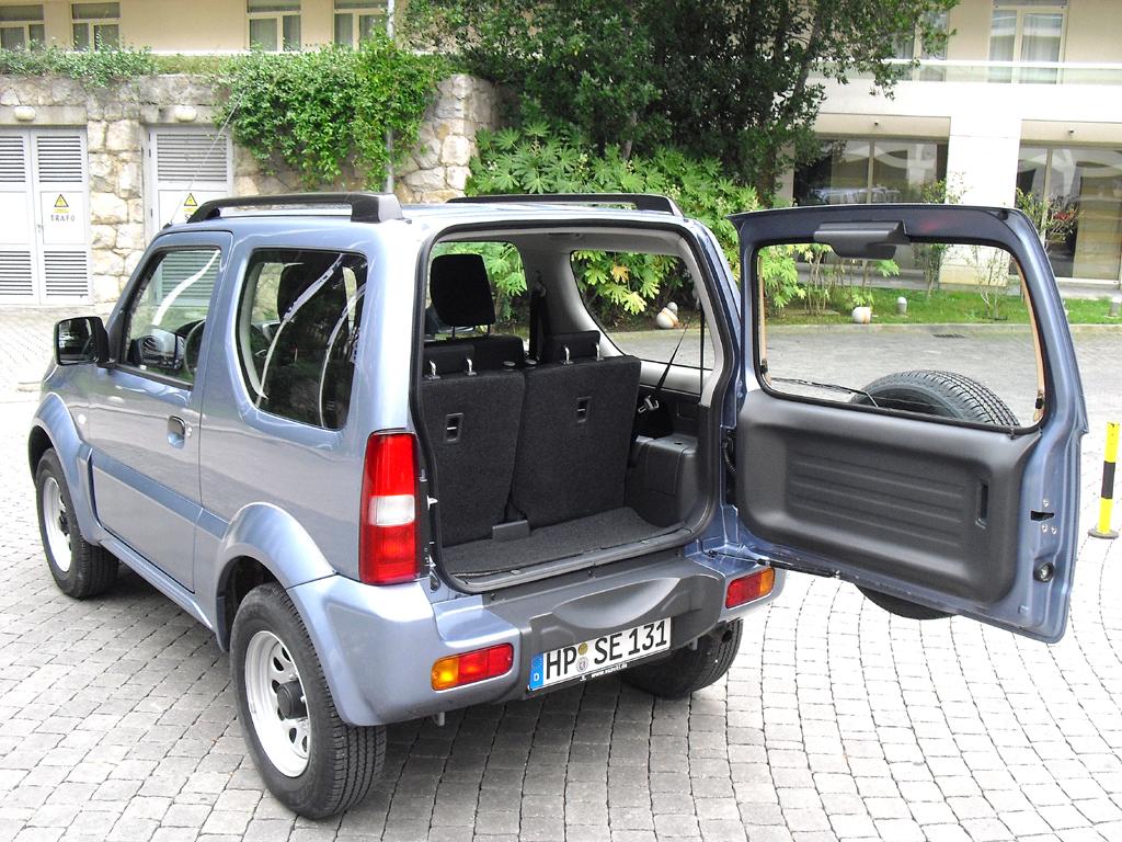 Suzuki Jimy: Ins Gepäckabteil passen 113 bis 816 Liter hinein.