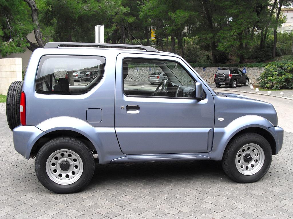 Suzuki Jimy: Und so sieht der kleine Geländegänger von der Seite aus.