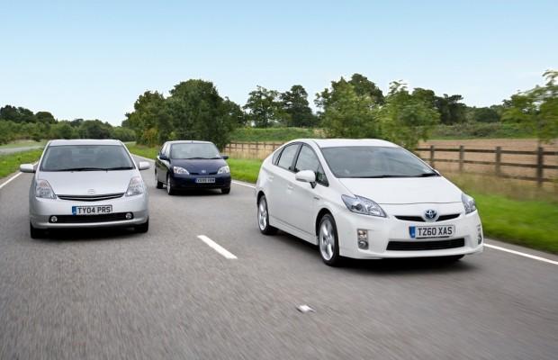 Toyota Prius feiert 15. Geburtstag
