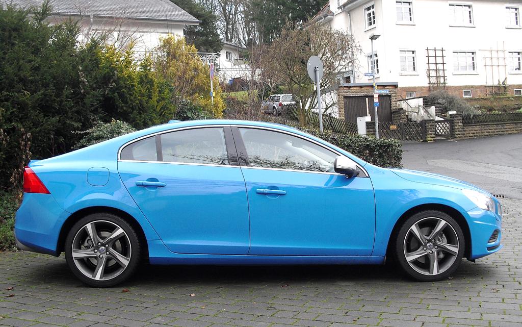Volvo S60: Und so sieht die sportliche Premium-Kompaktlimousine von der Seite aus.