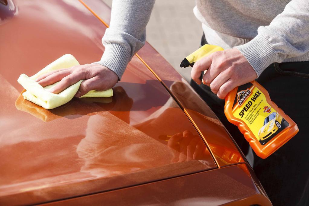 Wachsspray für die Autolackpflege zwischendurch