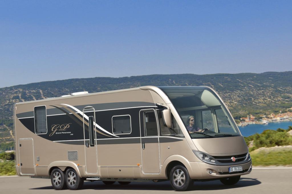 Bürstner bringt das neue Oberklasse-Reisemobil Grand Panorama I 915 G mit nach Stuttgart