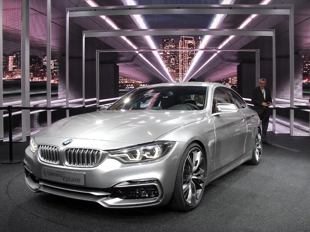 BMW-Premiere in Detroit: Das 4er-Coupé löst als Serienmodell das 3er-Coupé ab.