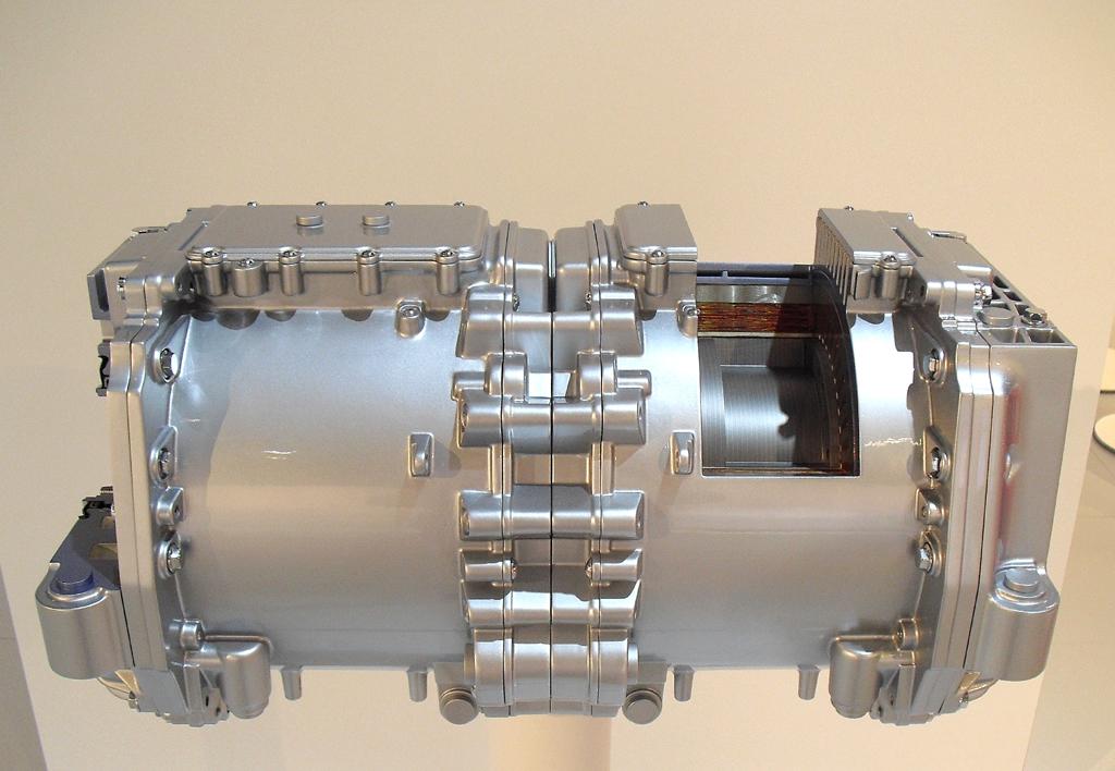 Blick auf den kompakten elektrischen Antrieb des Hochleistungsstromers.