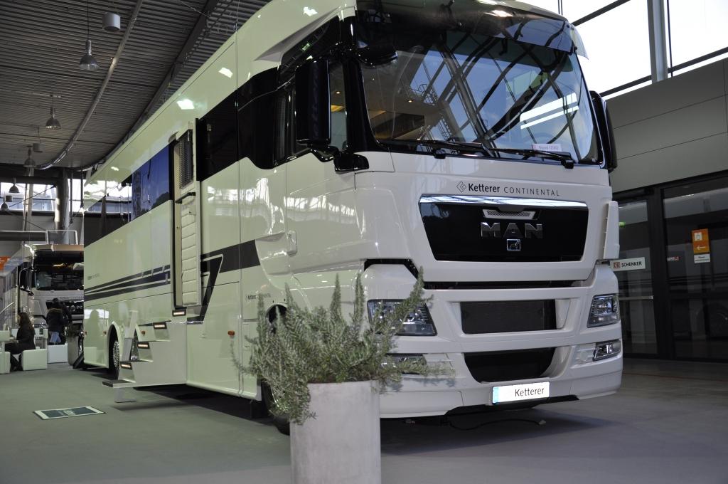 cmt 2013 ketterer continental pr sentiert luxus truck. Black Bedroom Furniture Sets. Home Design Ideas