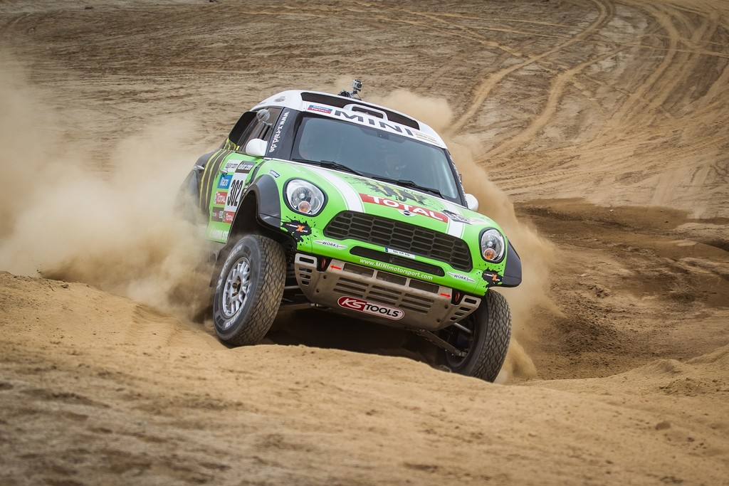 Dakar 2013: Auftaktsieg für Carlos Sainz