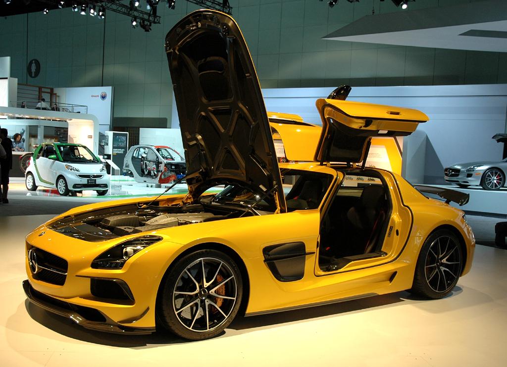 Das SLS AMG Coupé Black Series kommt bei Mercedes neu und der SLS-AMG-Stromer.