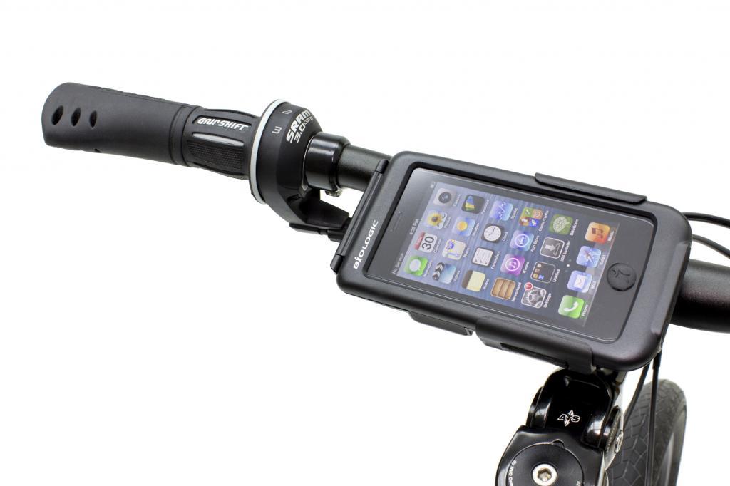 Der rund 50 Euro teure Bike Mount für das iPhone 5 lässt sich durch einen robusten Schnappverschluss am Lenker fixieren