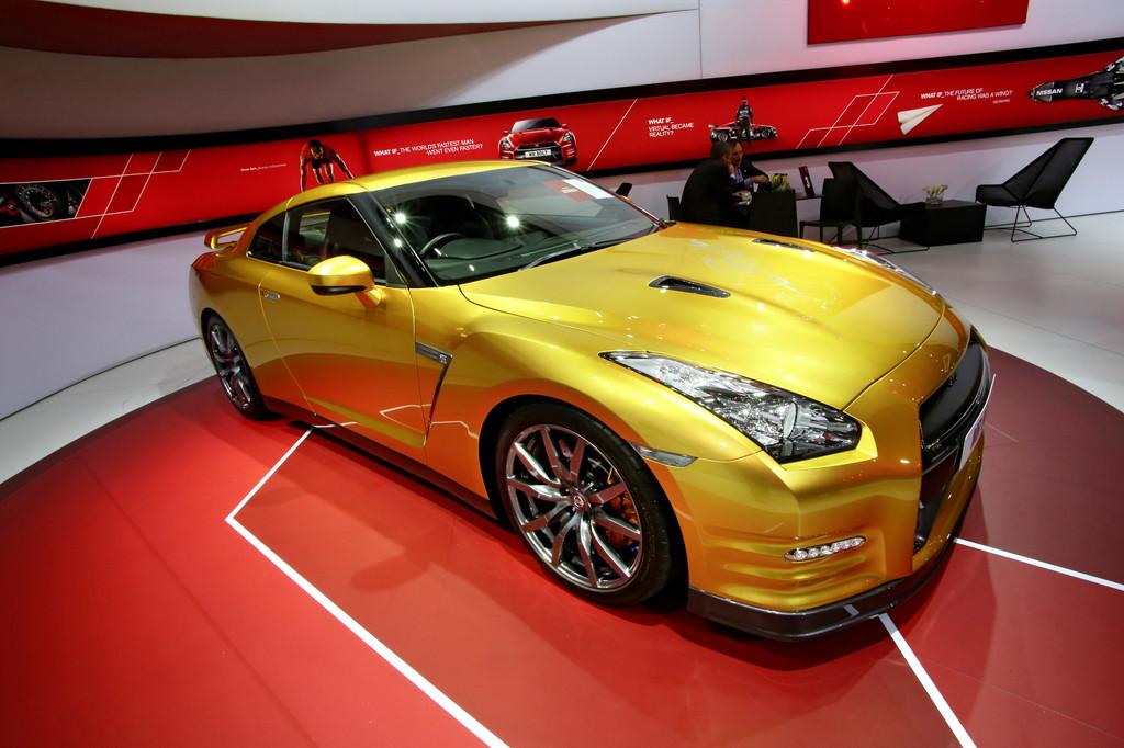 Detroit 2013: Nissan Usain Bolt Gold GT-R