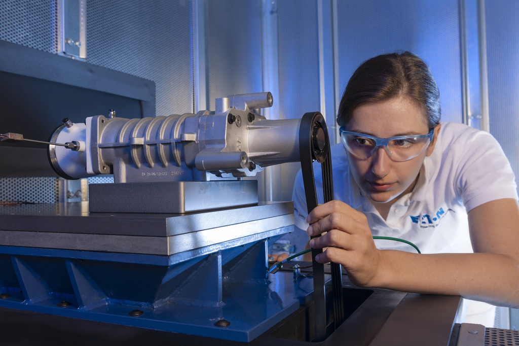 Eaton nimmt ersten Kompressor-Prüfstand in Europa in Betrieb