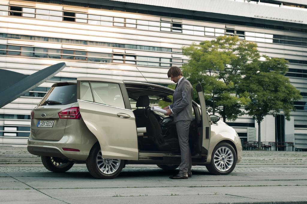 In wohl keinem anderen Mini-Van ist es so einfach, die Kinder auf dem Kindersitz festzuschnallen