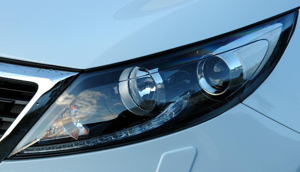 Kia Sportage: Moderne Xenon-Leuchteinheit vorn.